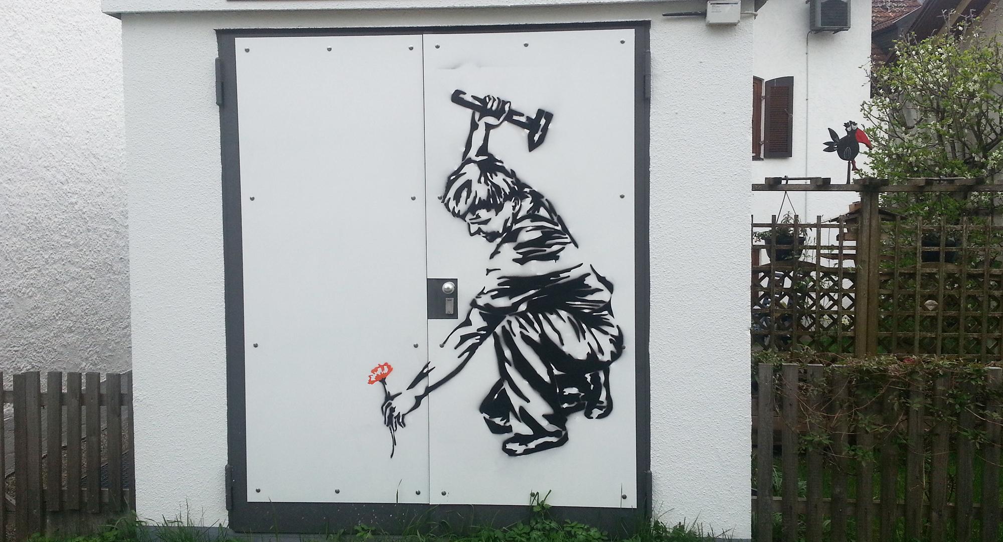 Kunst am Trafo in Kooperatin von Rothmoser und dem Gymnasium Grafing