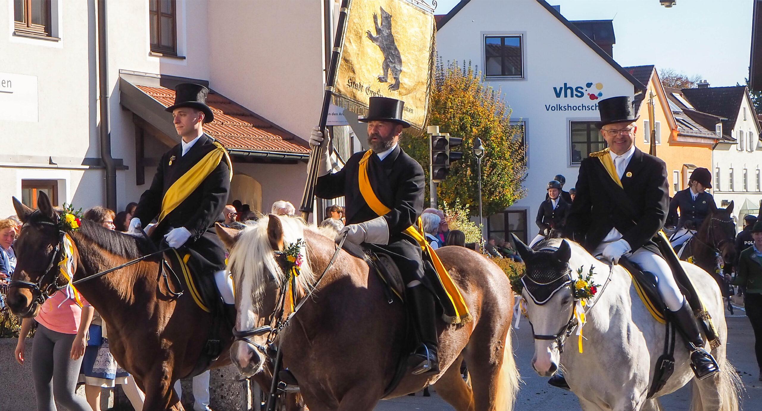 Reiter bei der Leonhardifahrt Grafing gesponsert von Rothmoser
