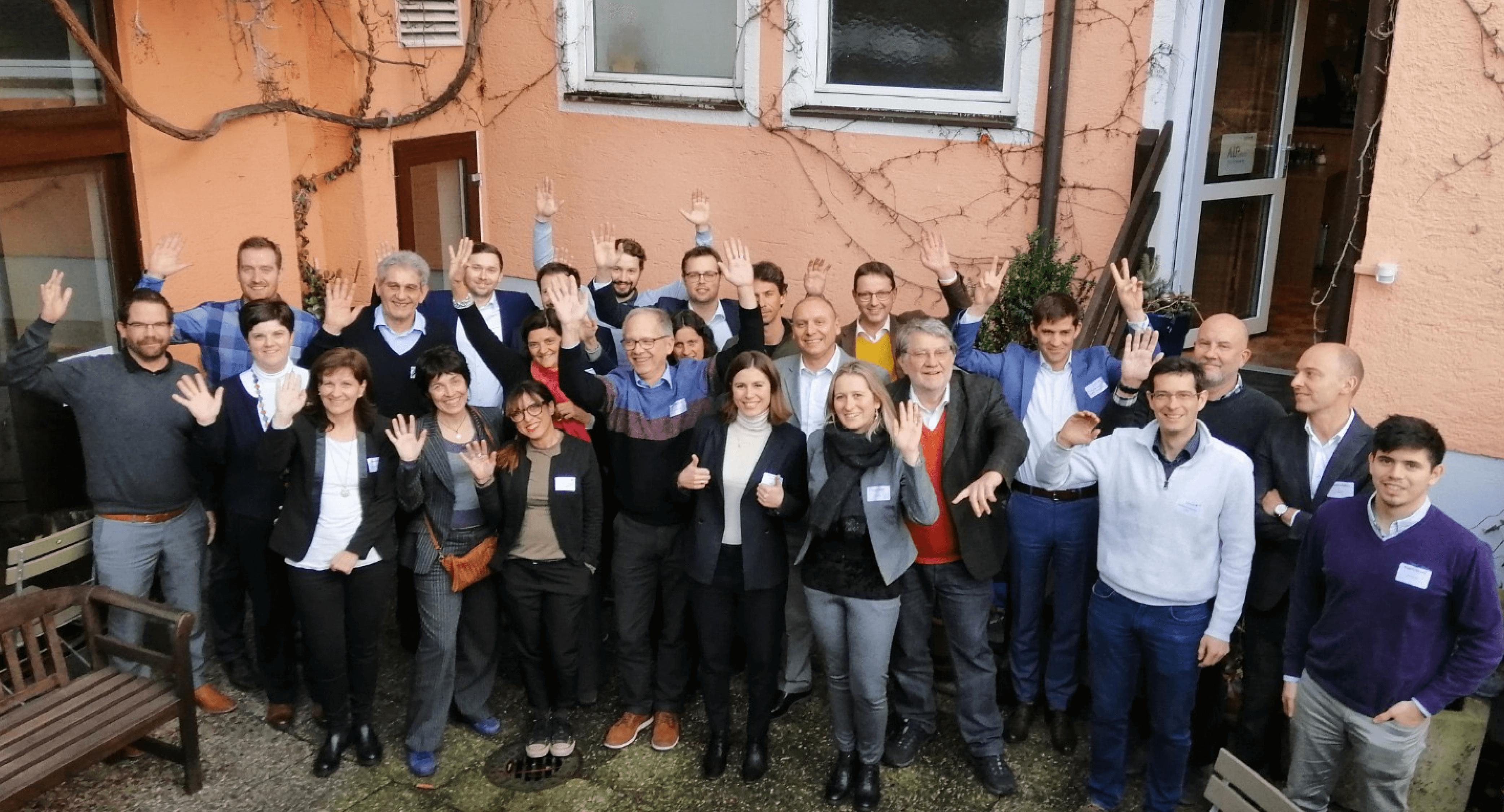 Teamfoto Teilnehmer am Alpgrids Programm in Grafing