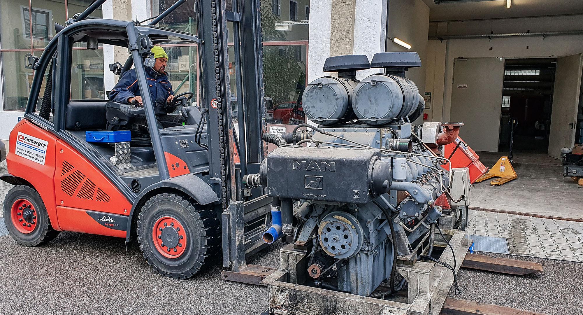 Dieselmotor Ausbau auf dem Stapler