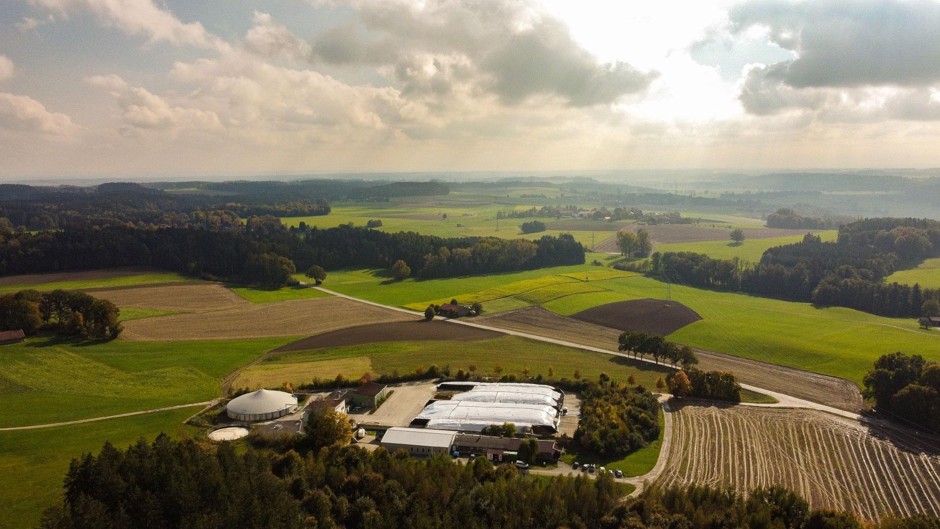 Panorama der Biogasanlage des Energieversorgers Rothmoser in Grafing bei München
