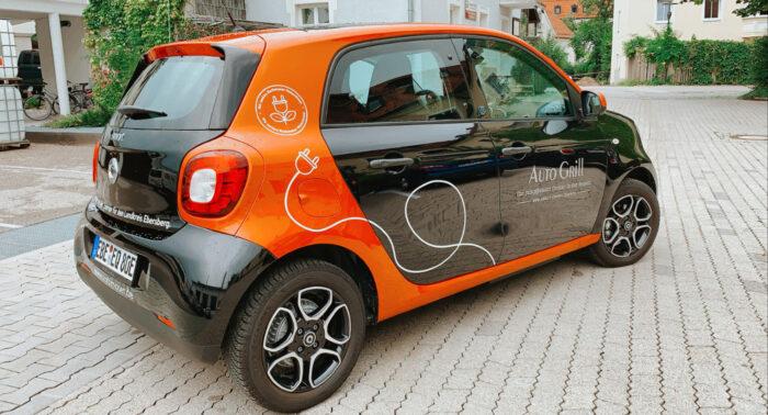 Elektroauto Smart für die Autoteiler Grafing gesponsert von Rothmoser